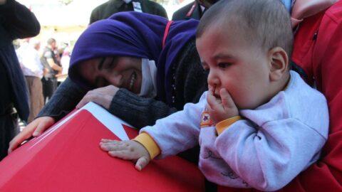 El Bab şehidi Yiğit'e 6 aylık oğlundan son veda