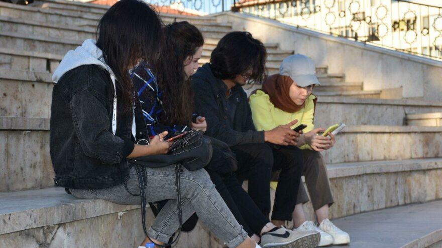 Dijital nesnelere bağımlı çocuklarda 'yoksunluk sendromu' tehlikesi