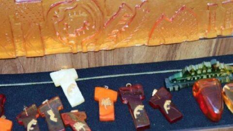 Göbeklitepe ve Balıklıgöl figürleri kehribara da işlendi