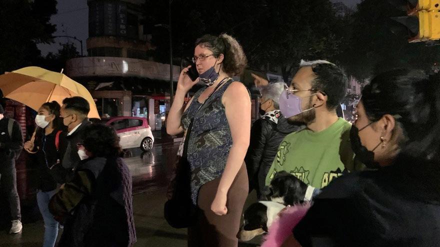 Meksika 7.4'le sallandı, tsunami uyarısı yapıldı