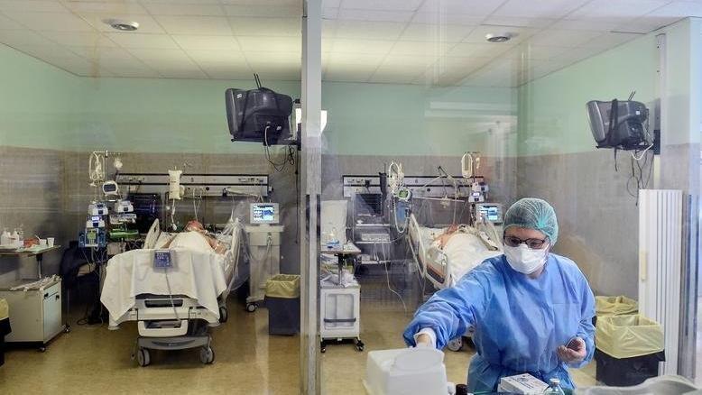 Antalya'da sağlık çalışanlarının izinleri yeniden açıldı