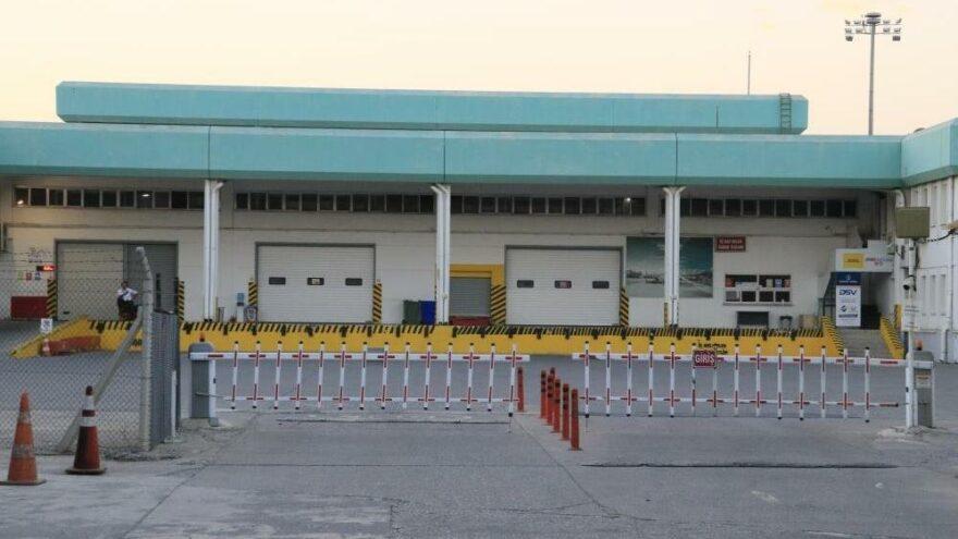 Adana Havalimanı'nda klima motoru patladı