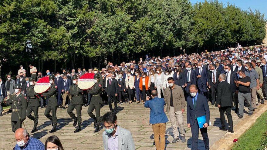 Kılıçdaroğlu, parti kurmaylarıyla Anıtkabir'i ziyaret etti