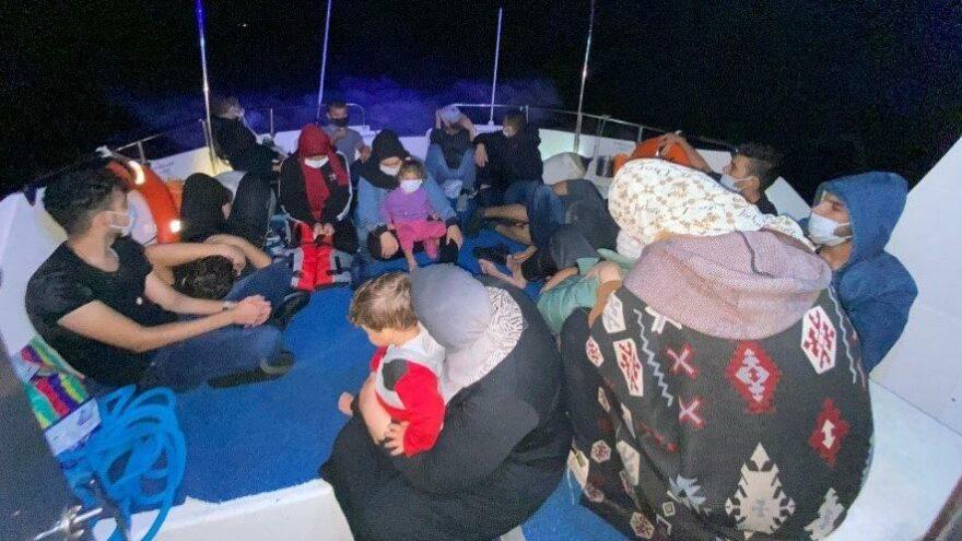Yunanistan'ın Türk karasularına ittiği göçmenler kurtarıldı