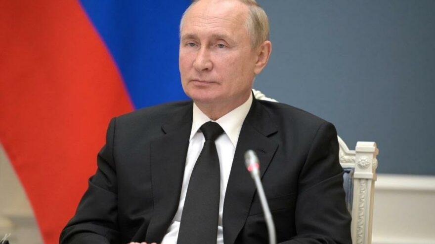 Putin: Afganistan'daki durumun dünya güvenliğini nasıl etkileyeceği bilinmiyor