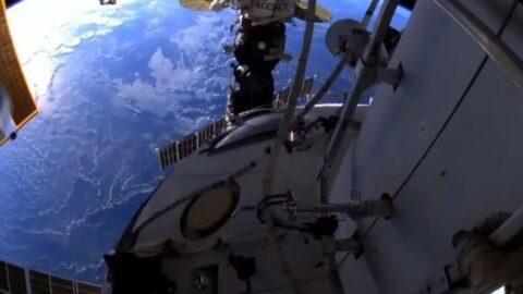 Rus kozmonotlar uzay yürüyüşüne çıktı