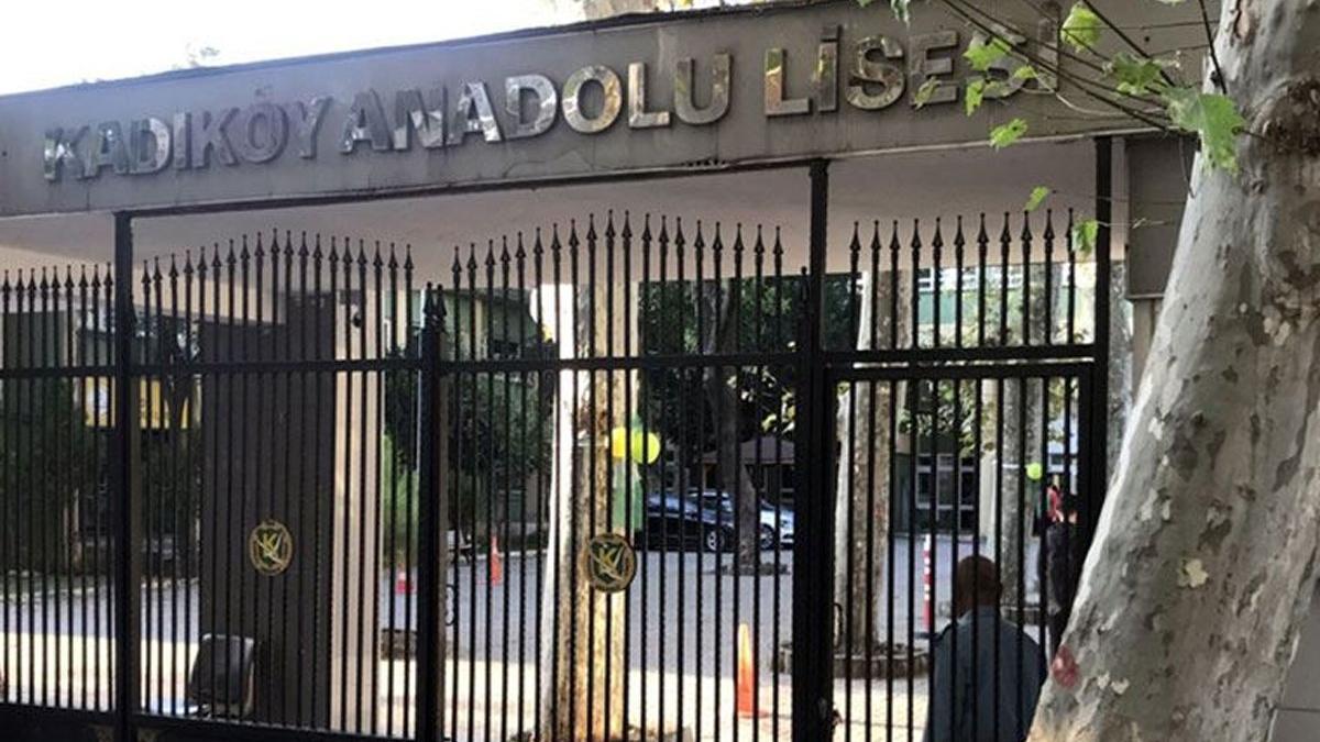 Kadıköy Anadolu Lisesi'nde dikkat çeken yerleştirme: Taban puanı 455 olmasına rağmen 405 puanlı öğrenci kaydedildi