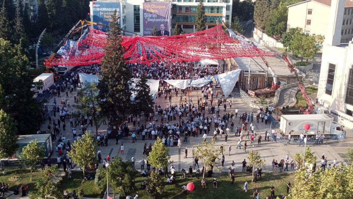 'Televizyonlara inanmayın' dedi, Erdoğan'ın miting fotoğrafını paylaştı!