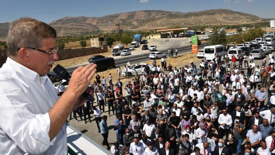 Davutoğlu: Özgürlükleri sınırlayan otoriterlik hep 3 fay hattını kullandı