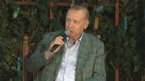 Erdoğan: Şiir yazmıyorum, eşimle şiir gibi bir yaşamımız var