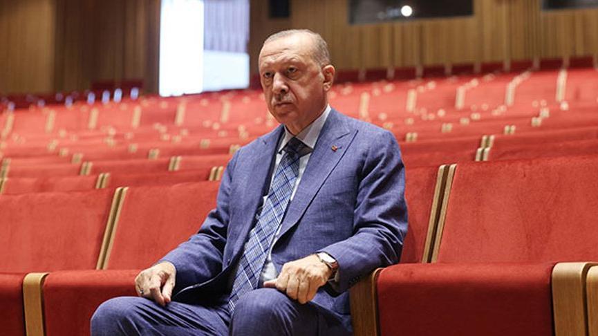Cumhurbaşkanı Erdoğan'dan AKM ve Rami Kışlası'na ziyaret