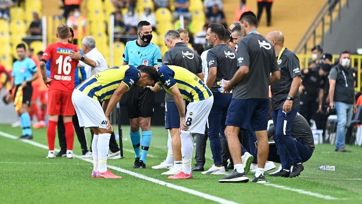 Fenerbahçe'de üç futbolcu aynı anda sakatlandı, İrfan Can Kahveci 15 dakika dayanabildi