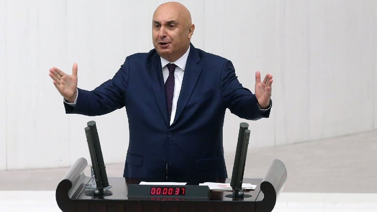 """CHP'li Özkoç'tan, """"Laiklik anayasadan çıkarılmalı"""" diyen Tosun'a tepki"""