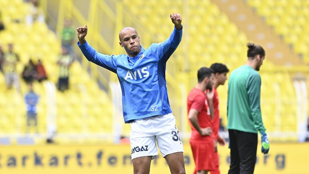 Fenerbahçe'de Marcel Tisserand sakatlandı! Szalai girip golü attırdı...