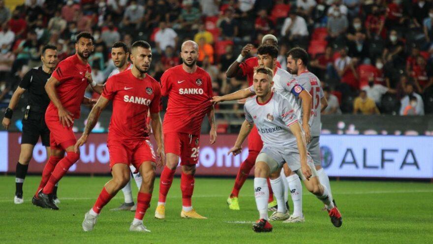 Gaziantep FK ilk galibiyetini Antalyaspor'a karşı aldı