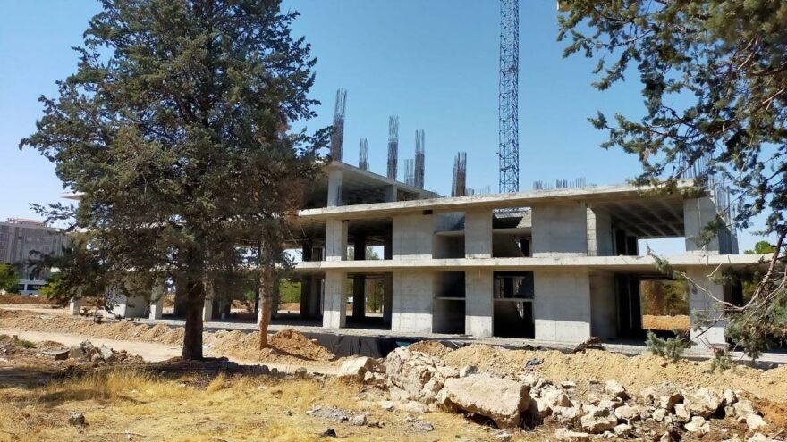 AKP'li Belediye'nin 9 buçuk milyonluk inşaatı yarım kaldı