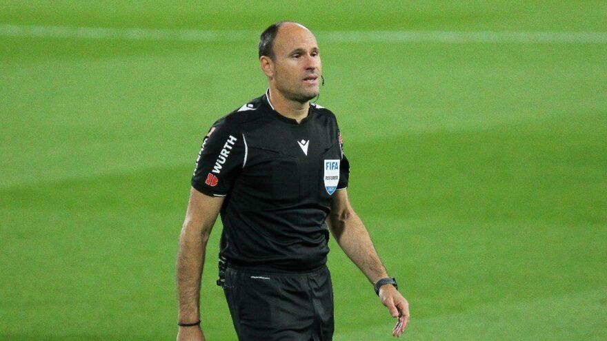 Beşiktaş Borussia Dortmund maçının hakemi belli oldu