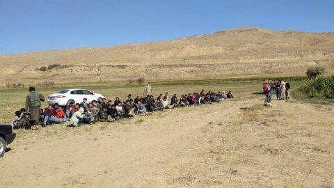 Van'da 71 kaçak göçmen ve 2 kaçakçı yakalandı