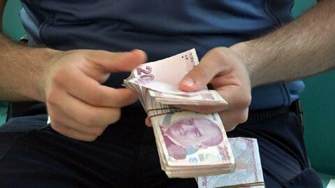 Poşet içinde bulduğu 50 bin lirayı polise teslim etti