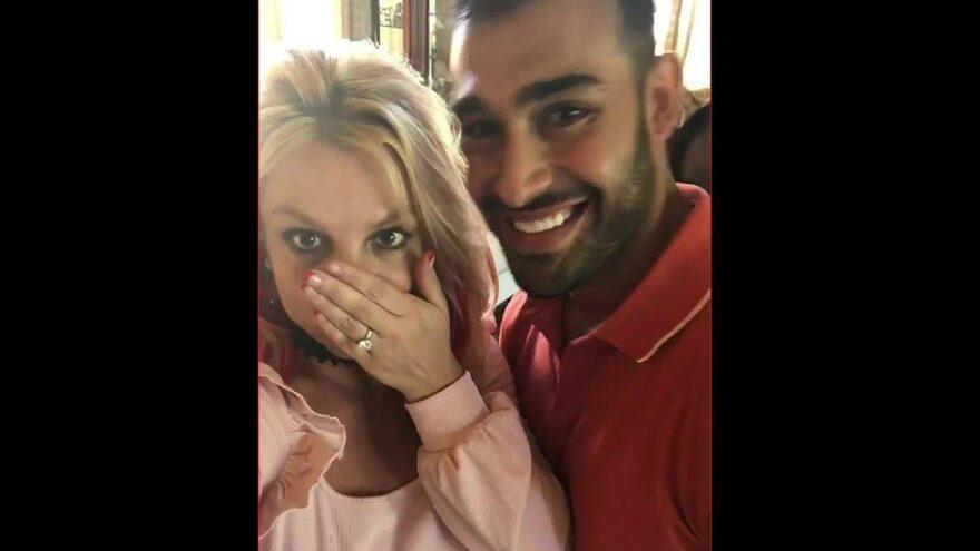 Britney Spears 12 yaş küçük sevgilisiyle nişanlandı