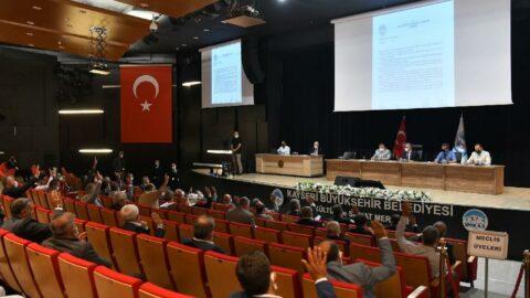 AKP'liler ile CHP'liler arasında gergin anlar