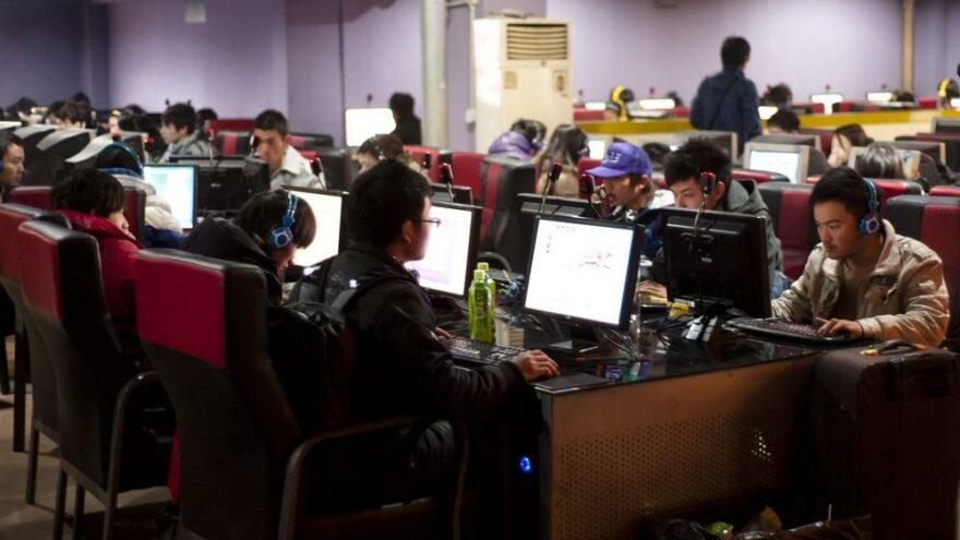 """Çin'den """"uygar"""" internet sitesi kararı"""