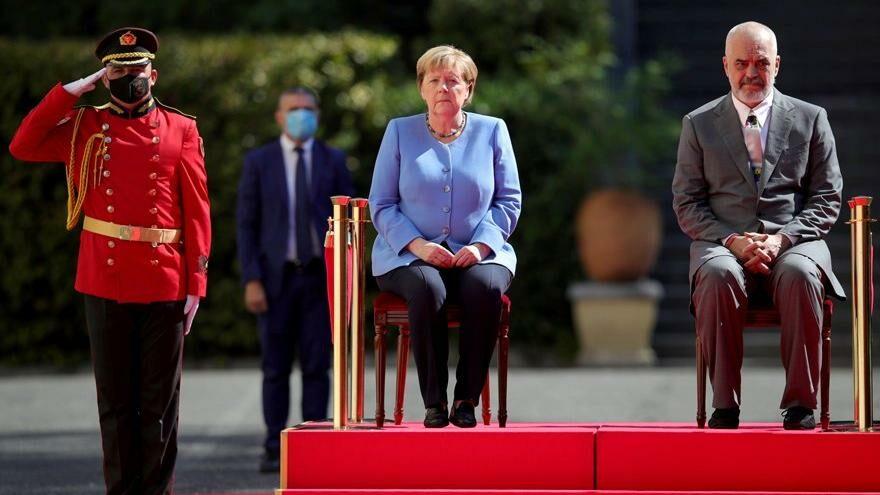 Merkel, Sırbistan'dan sonra turuna Arnavutluk'la devam ediyor
