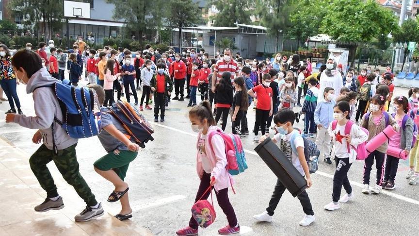 2 öğrencide corona çıktı, tüm sınıf karantinaya alındı