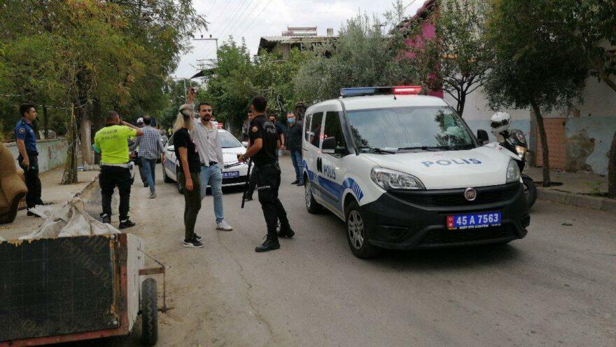 Manisa'da sokak ortasında silahlar konuştu