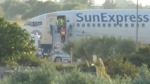 Yolcusu kalp krizi geçiren uçak acil iniş yaptı