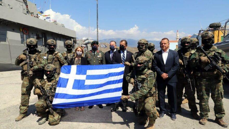 Kızılhisarlı Adası'ndan tahrik: Yunan bayrağı açtılar