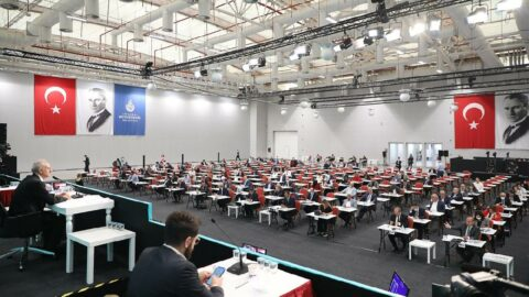 İBB Meclisi'nde 'tarikat yurdu' tartışması