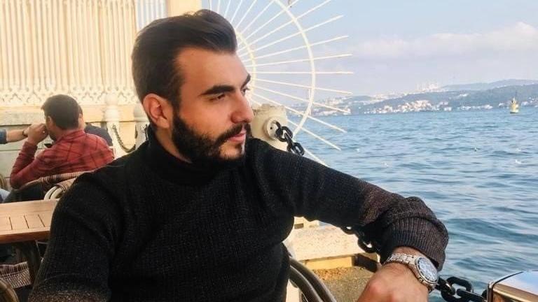 """Kağıthane'de """"omuz atma"""" kavgası: 24 yaşındaki genç kalbinden bıçaklanarak öldürüldü"""