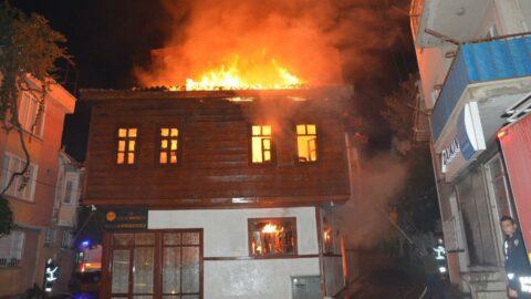 Aile ve Din Hizmetler Merkezi yandı