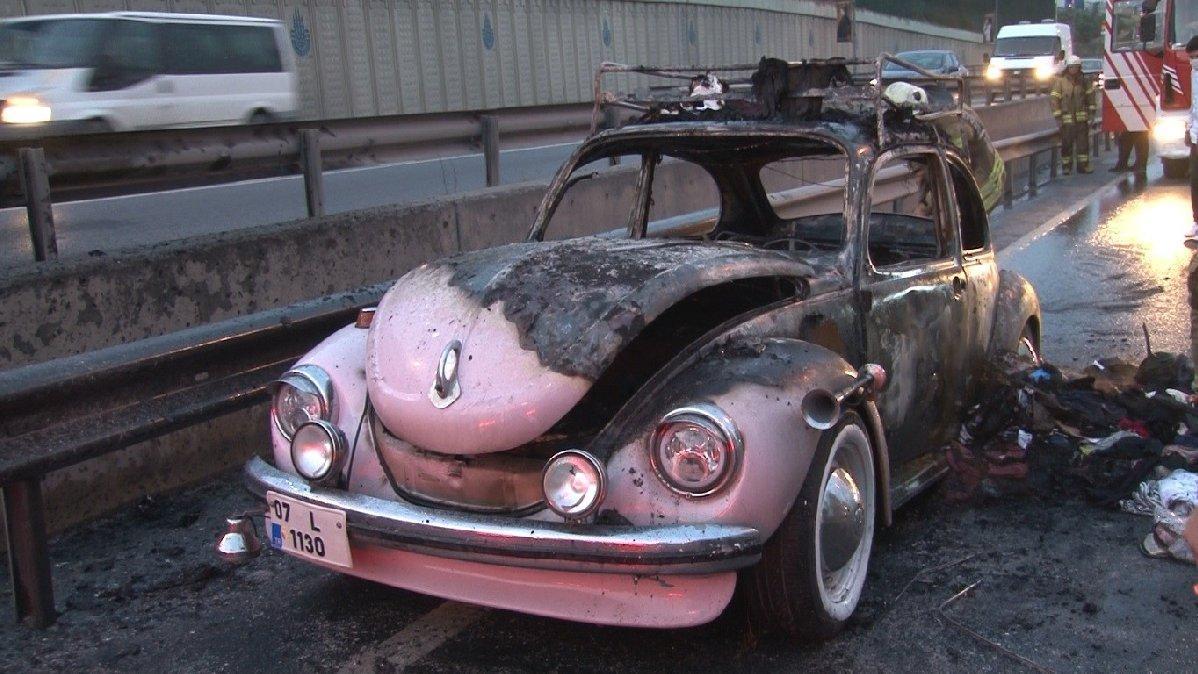 Düğün arabası alev alev yandı