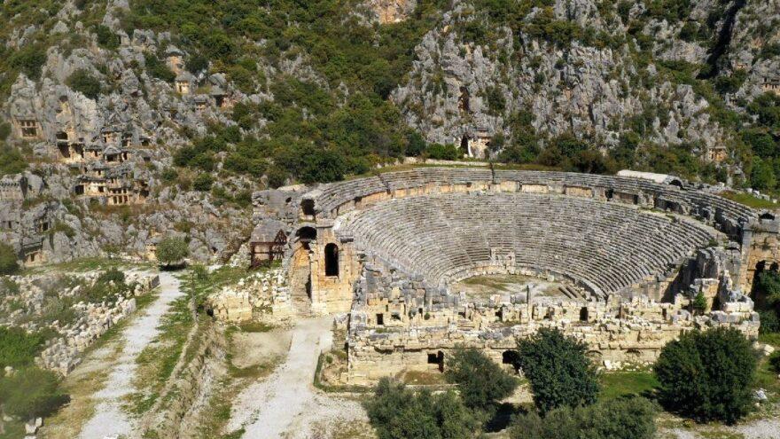 5 bin yıllık seramik parçaları, Myra'nın tarihini 2 bin yıl geriye götürdü