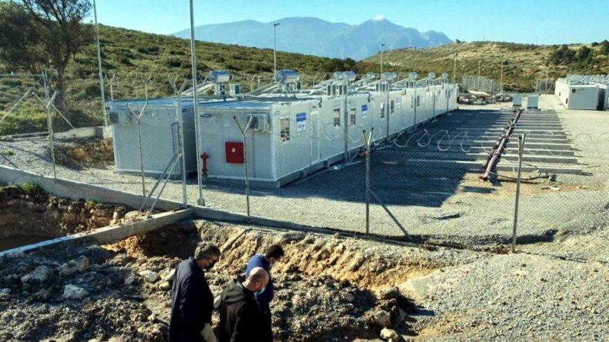 """Kuşadası'nın karşısına """"Avrupa'nın en büyük toplama kampı"""" açılıyor"""