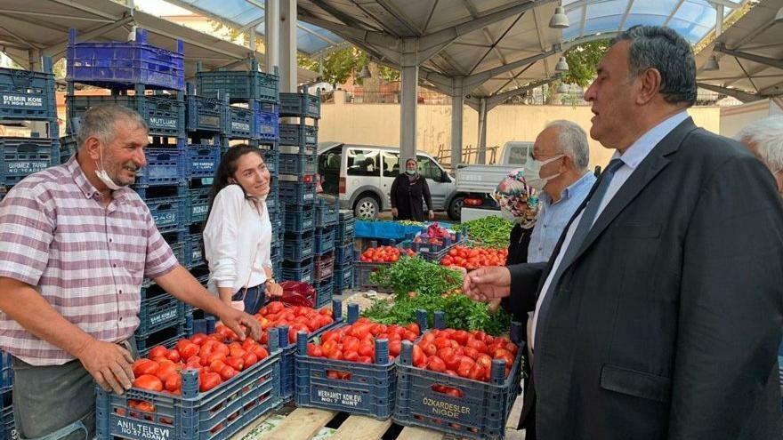 Pazarcılar ürünleri aldığı fiyata satamıyor