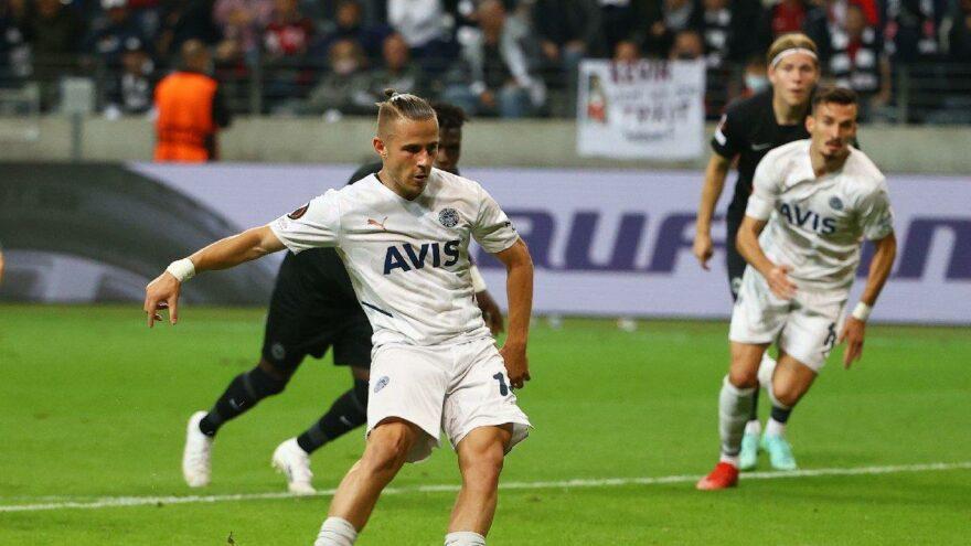 Eintracht Frankfurt-Fenerbahçe maçının son dakikasında gol iptal edildi