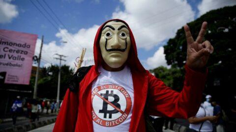 El Salvador'da hükümet karşıtı gösteri: Binlerce kişi sokağa çıktı