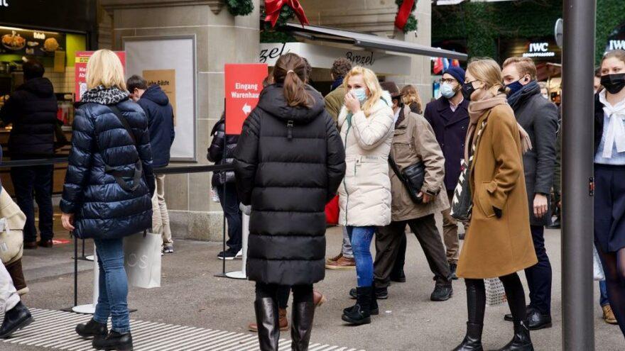 İsviçre'den turistler için yeni Covid-19 kararları