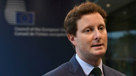 Fransız bakandan İngiltere'ye sert suçlama: Kabullenilmiş kölelik