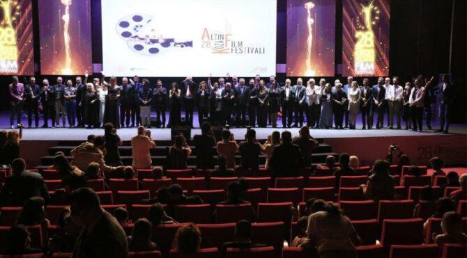 28. Uluslararası Altın Koza Film Festivali'nde ödüller sahiplerini buldu - Sözcü