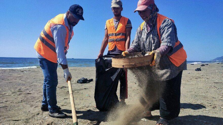 Suriye kaynaklı petrol sızıntısının temizlik çalışmaları 16 gündür sürüyor