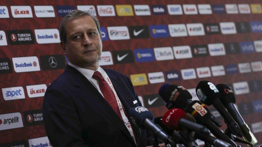 Burak Elmas: 'Kulübün geleceğini panik havasına teslim etmeyeceğiz'