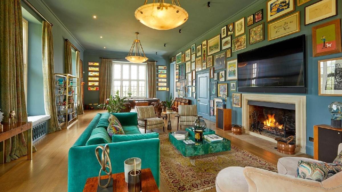 Robbie Williams perili evini satıyor