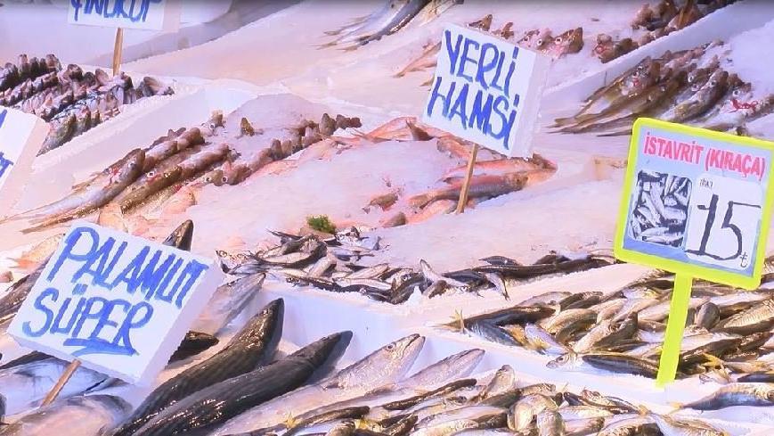 Karadeniz normale döndü, tezgahlar balık doldu