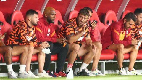 Galatasaray'da maç bitimi gerilim! Formasını çıkarıp yere attı...
