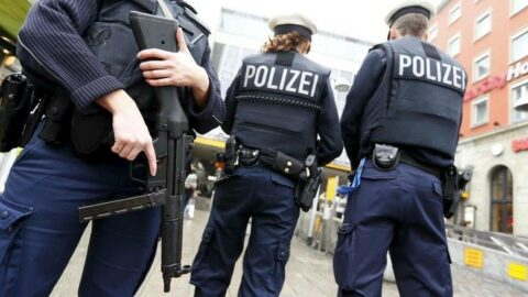 Almanya'da kan donduran maske cinayeti