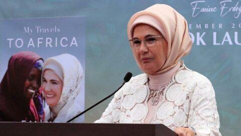 Emine Erdoğan, ilk kitabının tanıtımını New York'ta yaptı